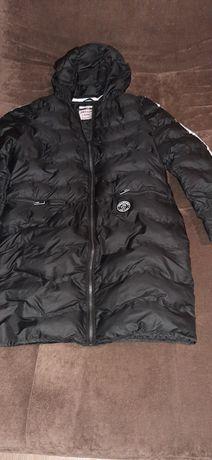 Пальто  девичье Reserved.Цвет чёрный.