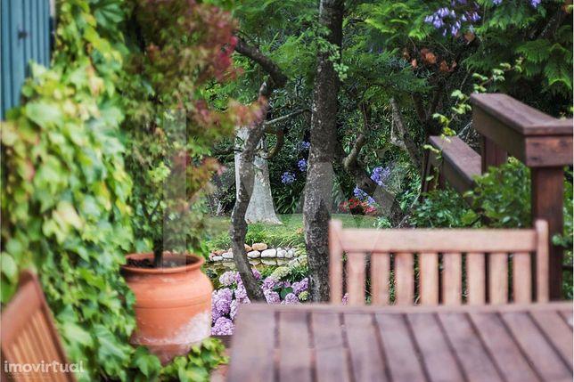 Moradia T5 Lote 900M2 Piscina   Jardim   Queijas