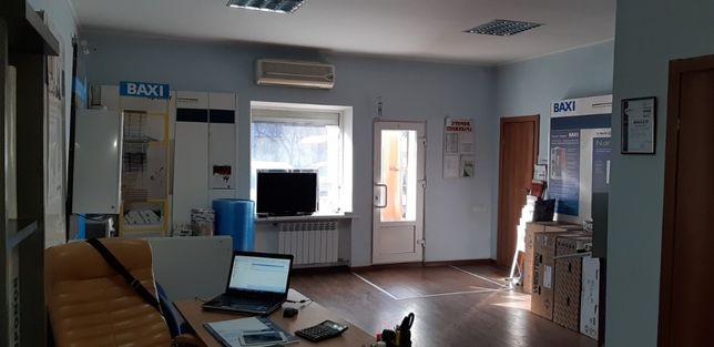 Продам фасадный офис с ремонтом на Таирова ТВ-1