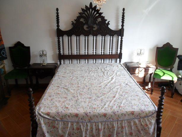 quarto completo antigo em madeira de mogno