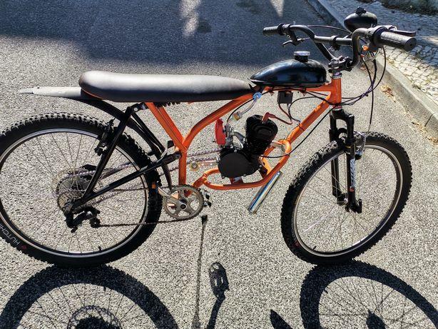Bicicleta a motor 100cc impecável todo-terreno