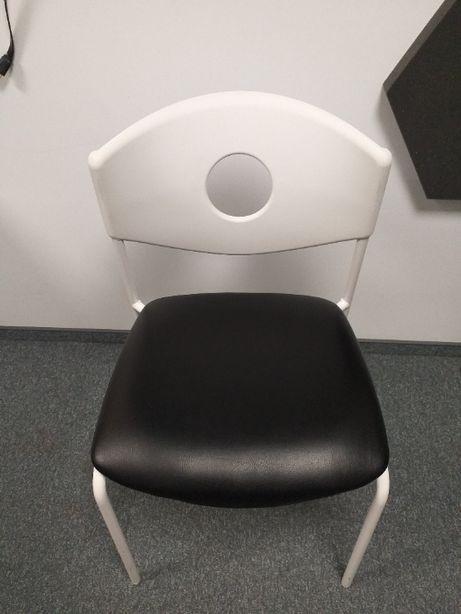 Krzesło czarno-białe
