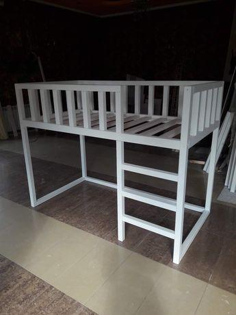 Łóżko piętrowe jednoosobowe