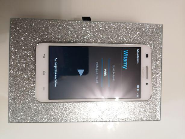 Telefon smartfon Huawei mało używany z androidem