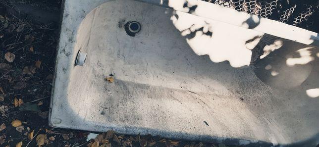 Ванна чугунная 1,5 м.