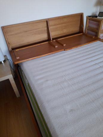 Vendo cama de casal em madeira maciça com arrumação!