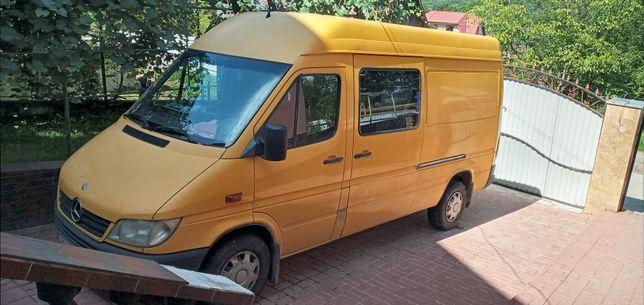 Автобус Мерседес 311