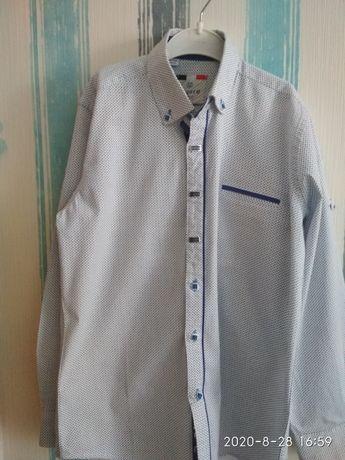Біла рубашка фірми Лагард