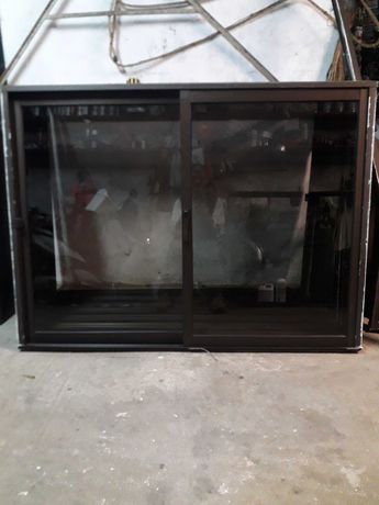 Janelas aluminio vidro simples de  correr