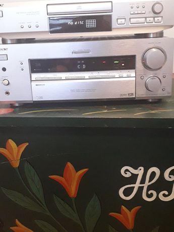 Amplituner Sony srebrny