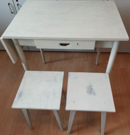 stolik + dwa taborety taboret - PRL vinted styl rustykalny przecierane