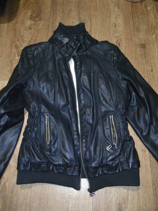 Курточка тёплая есть дефект Кривой Рог - изображение 1