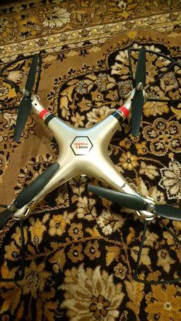 Продам квадрокоптер, дрон Syma x8hw бу
