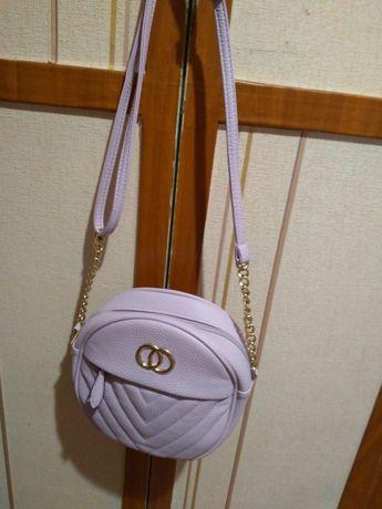 Продам женскую маленькую сумку
