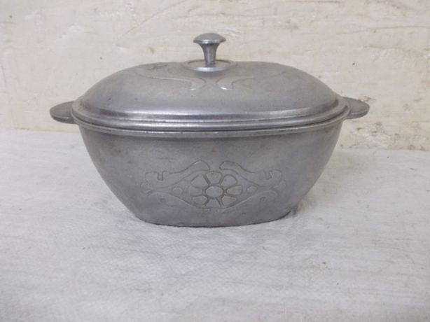 Stara aluminiowa forma do pieczenia gęsiarka