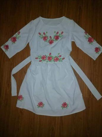 Жіноче плаття вишиванка