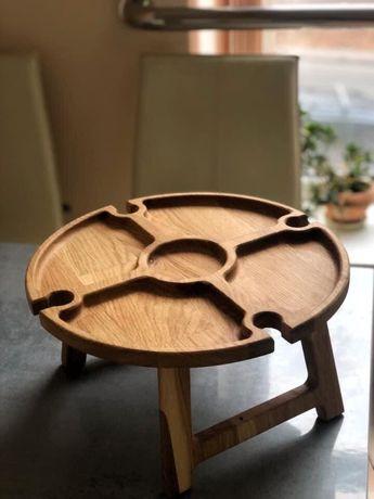 Дерев'яний столик для вина