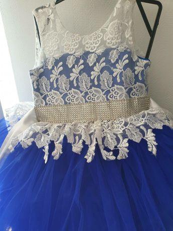 Шикарне, святкове плаття для вашої красуні. 100см довжина плаття