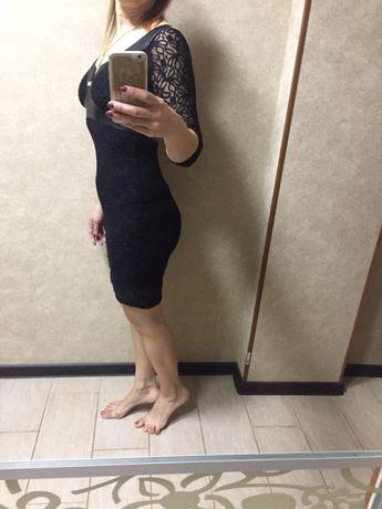 Платье нарядное ,размер s,гипюр и кожзам
