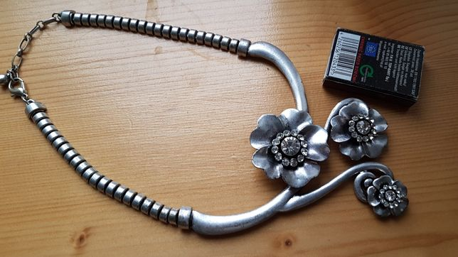 Naszyjnik kolia róże kwiaty stop nierdzewny jak srebro