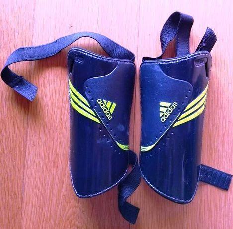 Caneleiras Adidas