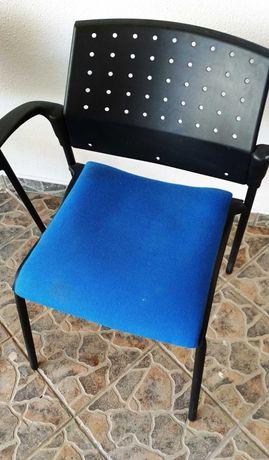 Cadeira Fixa 4 pés / Visitante/ formação/ Reunião/multi usos