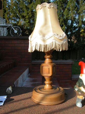 stara drewniana lampa -lampka ze zmywalnym abażurem