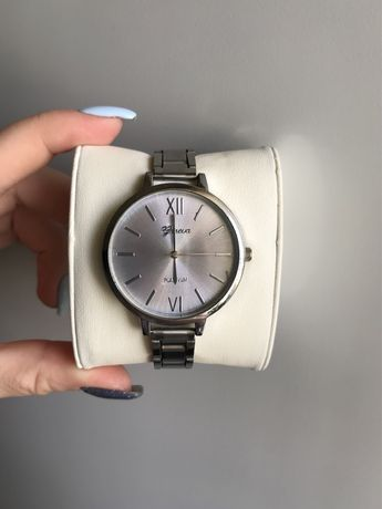 Жіночий годинник