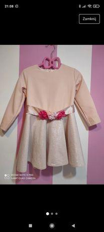 Sukienka dla małej modnisi