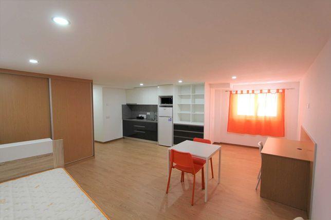 Quarto com cozinha e WC privativo - Tipo estúdio