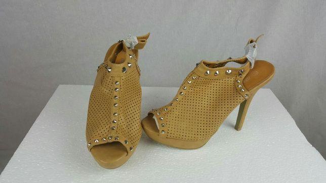 Sapato de senhora aberto NOVO