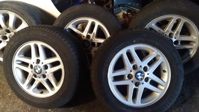 Vendo Jantes BMW E46 Muito bom estado com pneus