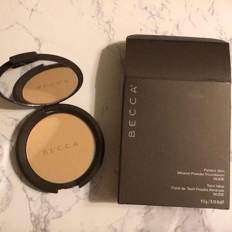 Puder Becca podkład perfect Skin Mineral Powder nude