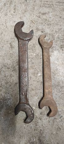 Dwa stare zabytkowe klucze prl antyk narzędzia