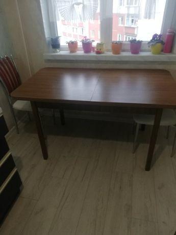 стол обеденный для кухни и гостинной
