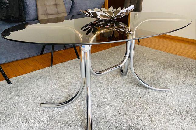 Mesa oval de vidro c/6 cadeiras.