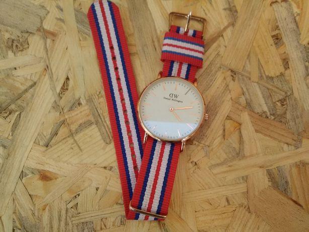 Годинник жіночий DW Daninl Wellington (часы женские)