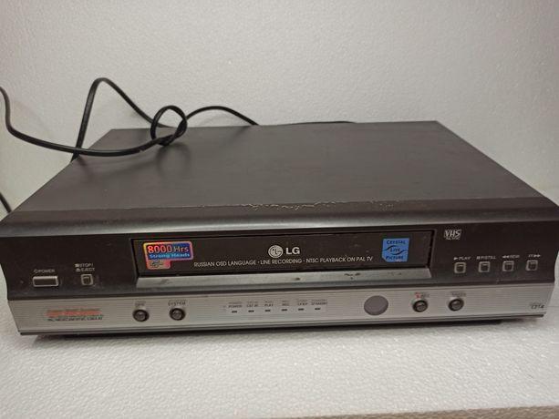 Видеомагнитофон касетник,для касет