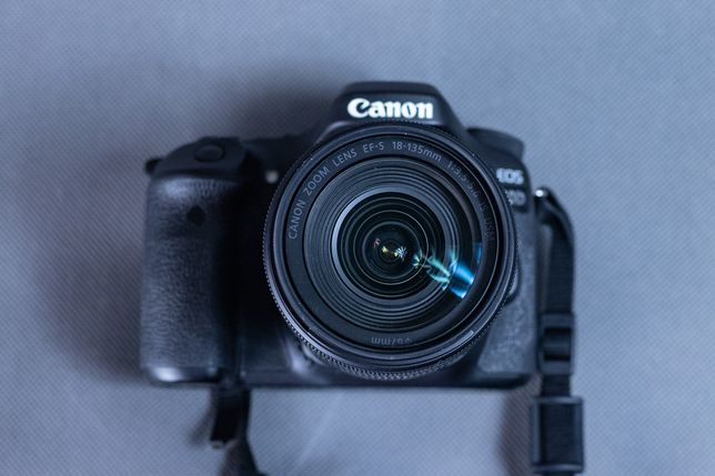 CANON EOS 80D + 18-135 mm f/3.5-5.6 , 35.055 zdjęć