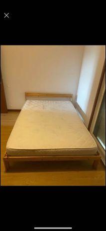 Cama de casal Ikea, com estrado e colchão