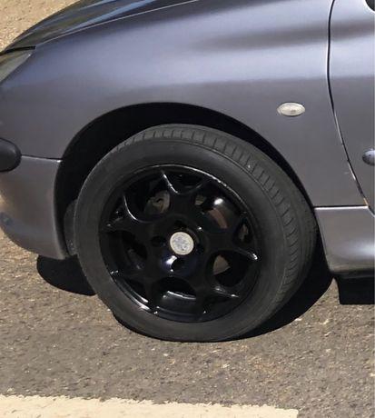 Jantes Peugeot 206 com pneus