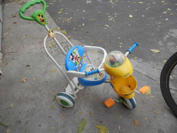 велосипед детский с ручкой управления.