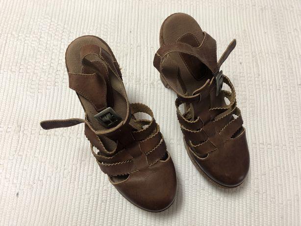 Sandálias XUZ castanhas