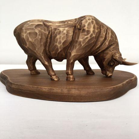 Статуетка бик