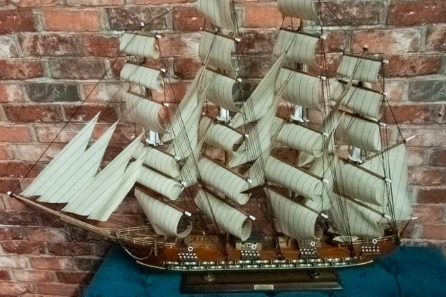 Barco de Exposição - Extra outras opções ligado a material Náutico