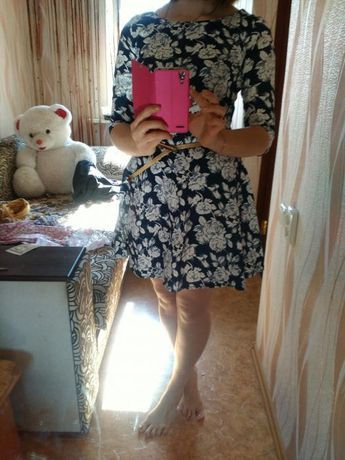Платье синее с цветочным принтом