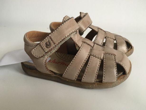 Naturino nowe sandałki rozmiar 20