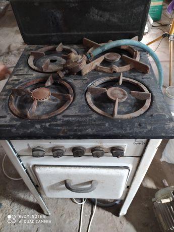 Продаю советскую газовую печь
