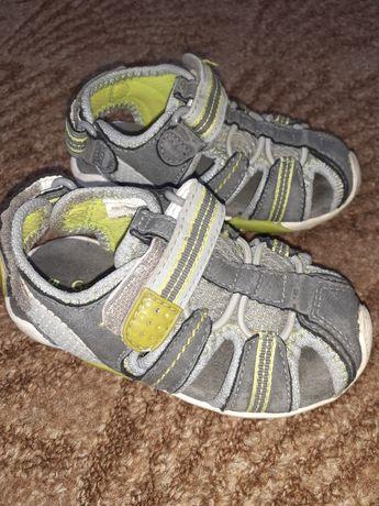 Продам сандалии george