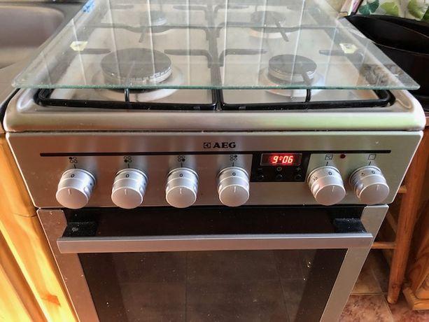Kuchenka gazowa z piekarnikiem elektrycznym